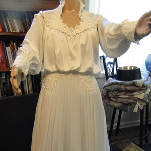 Dresses & Skirts - Old Fashioned Wedding Dress